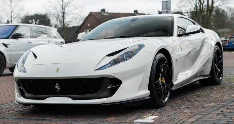 新型 フェラーリ812スーパーファースト 新車即納車確保!!オプション詳細等はお問合せ下さい!! Ferrari ...